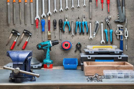 outils pour bricoler à la maison