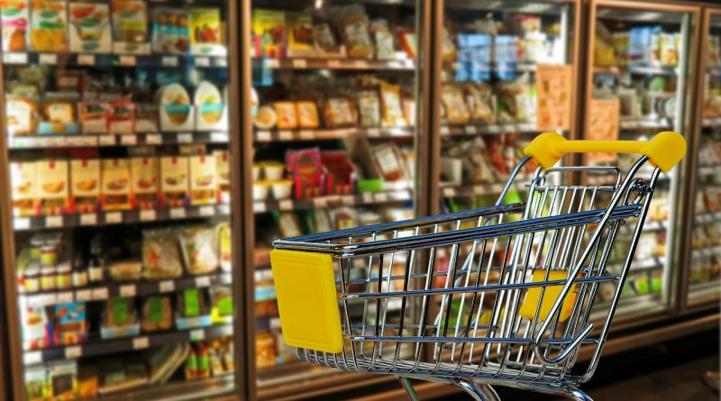 caddie de supermarché pour faire ses courses